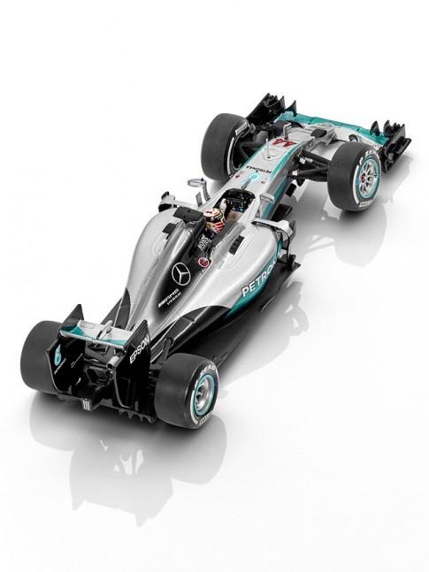 MERCEDES AMG PETRONAS Formula One™ Team, 2016, Lewis Hamilton